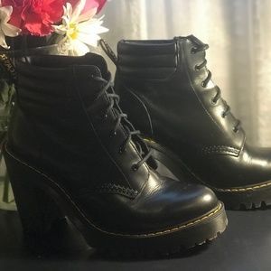 Sz 8 Dr. Martens Persephone Leather Boots w/ Box